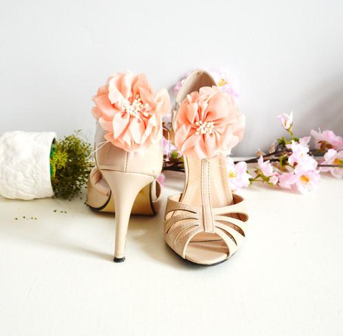 clips chaussures mariage fleurs rose poudr accessoires mariage boh me mes tites lilis. Black Bedroom Furniture Sets. Home Design Ideas