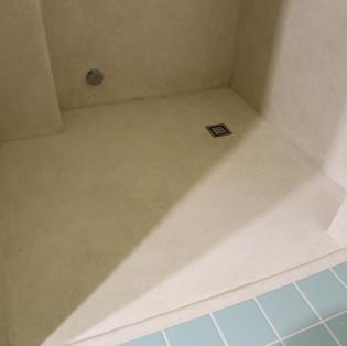 Tadelaktia kylpyhuoneessa