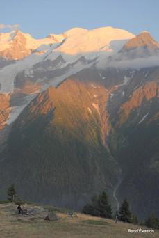 Campement, avec vue sur le Mont Blanc
