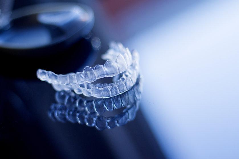 Dental aligner. Invisible dental orthodo