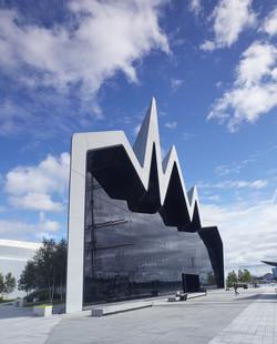 zaha-hadid-architecture-02