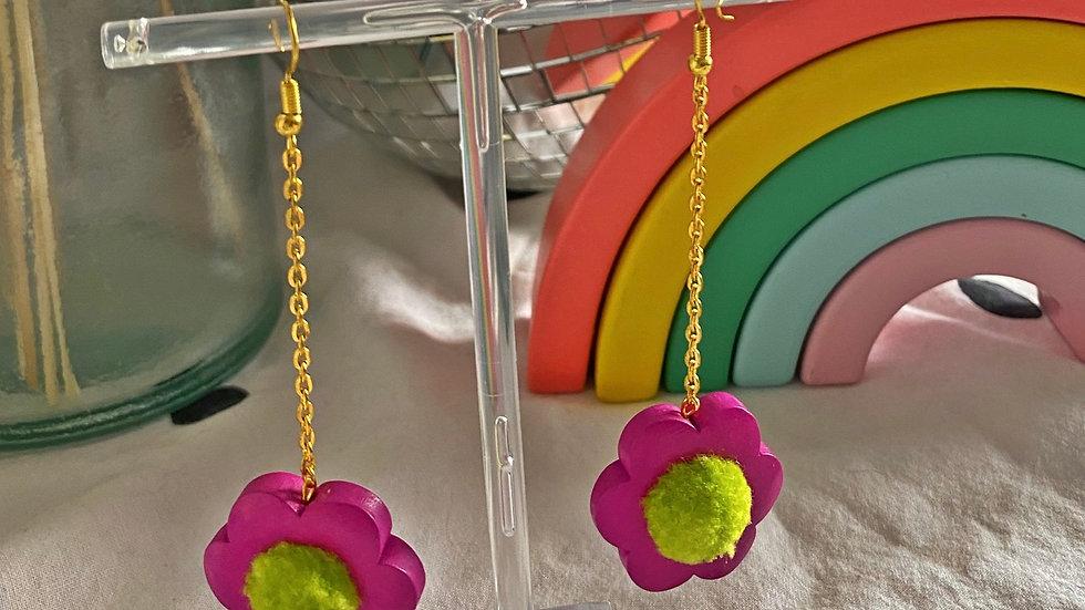 Flower power earrings: raspberry with lime