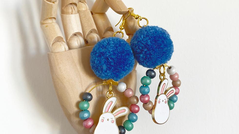 Beaded bunny wreath earrings
