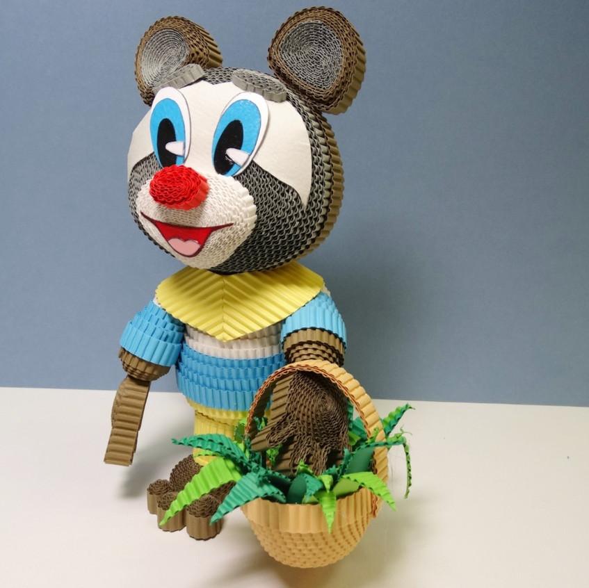 Игрушка из квиллинга Крошка енот из одноименного мультфильма.