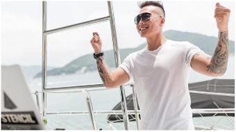 DJ Party Yacht Rentals