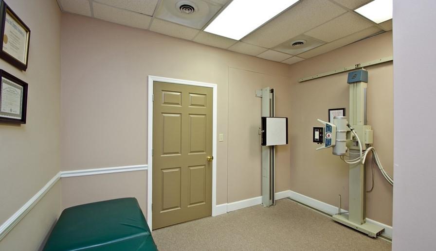 best chiropractor room