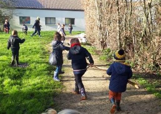 L'école dehors: apprendre autrement en pleine nature