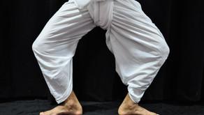 Posiciones de los pies en la danza Sattriya 4 de 31