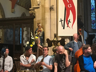 The London Improvisers Orchestra, Londres.