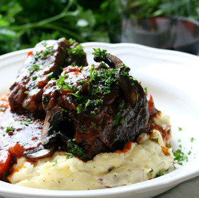 BRAISED SHORT RIBS WITH RED WINE REDUCTION