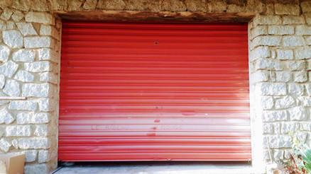 La cortina roja
