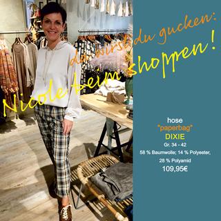 Nicole beim Shoppen...