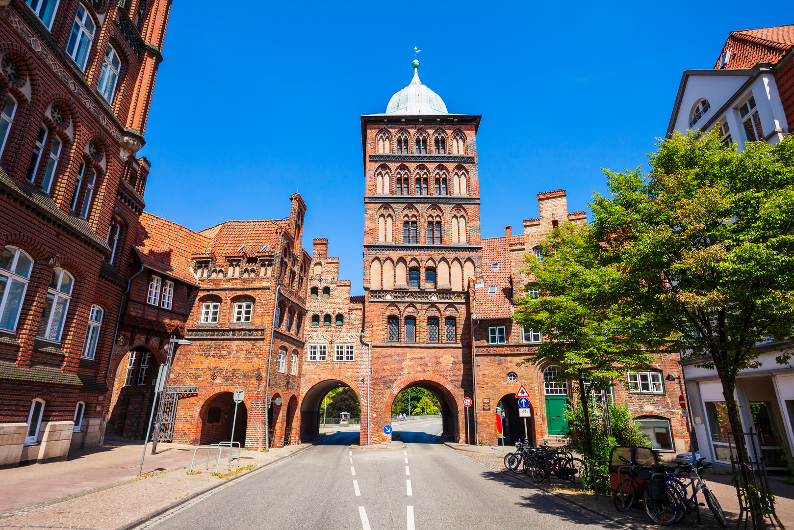 Burgtor Gate in Lübeck.jpg