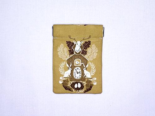 Cuckoo clock (pinch pouch)