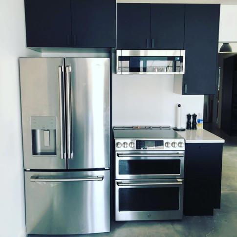 Modern Black & White Kitchen (A1)