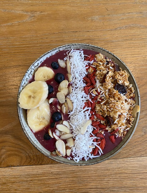 Frozen acai bowl