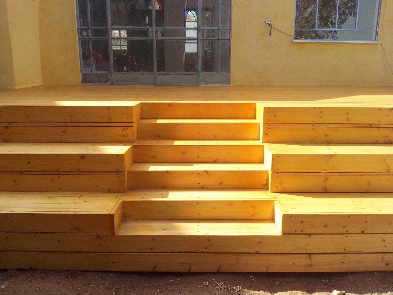 בית בפרדס חנה  דק+ מדרגות