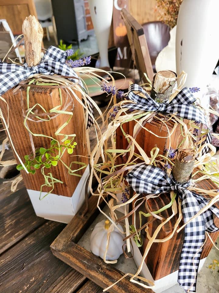 Wood Pumpkins checkerd pattern