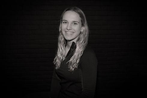 Amber De Meyer .jpg