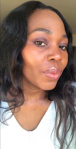 lady modelling eye shadow palette