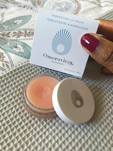 Omorovucza perfectiting lip product