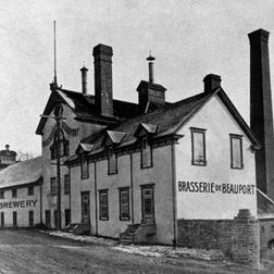 La Brasserie de Beauport vers 1900, Archives de la ville de Québec, Fonds M. Bédard, P100-200-5.1-01