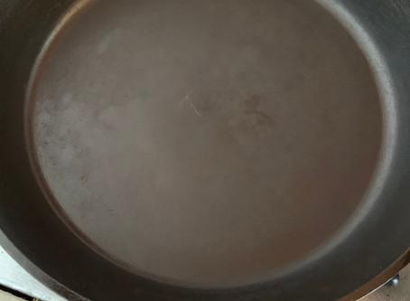 30年使ったフライパンを焼く