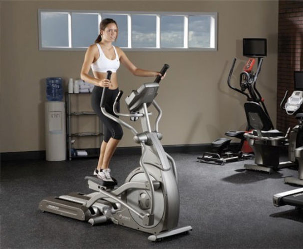Spirit CE800 ENT elliptical in room