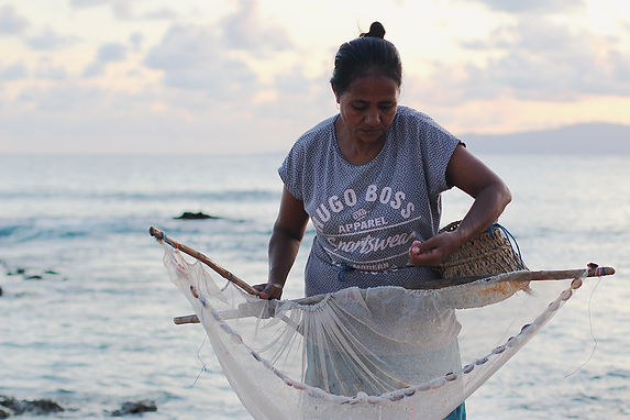 Rote Island, Indoensia. Marce prepares h