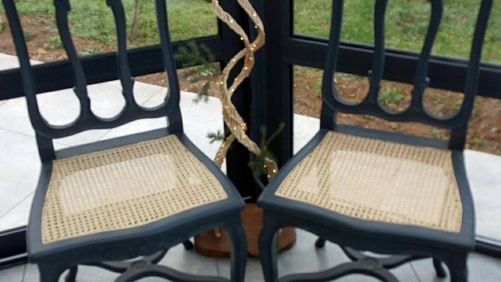 chaises cannées  gris anthracite