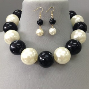 IAmShe Pearl Statement Black Roses Necklace & Earrings