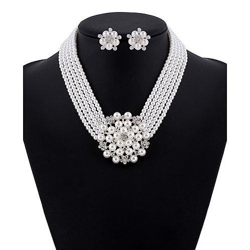 IAmShe Array Of Pearls & Stones