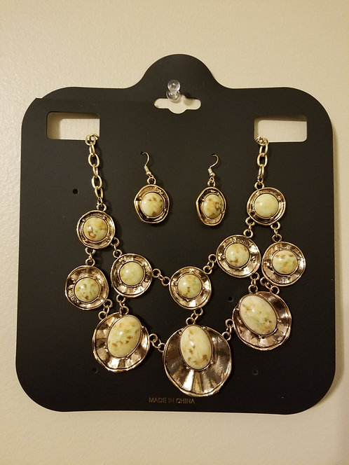 IAmShe Fashion Statement Necklace W/ Earrings