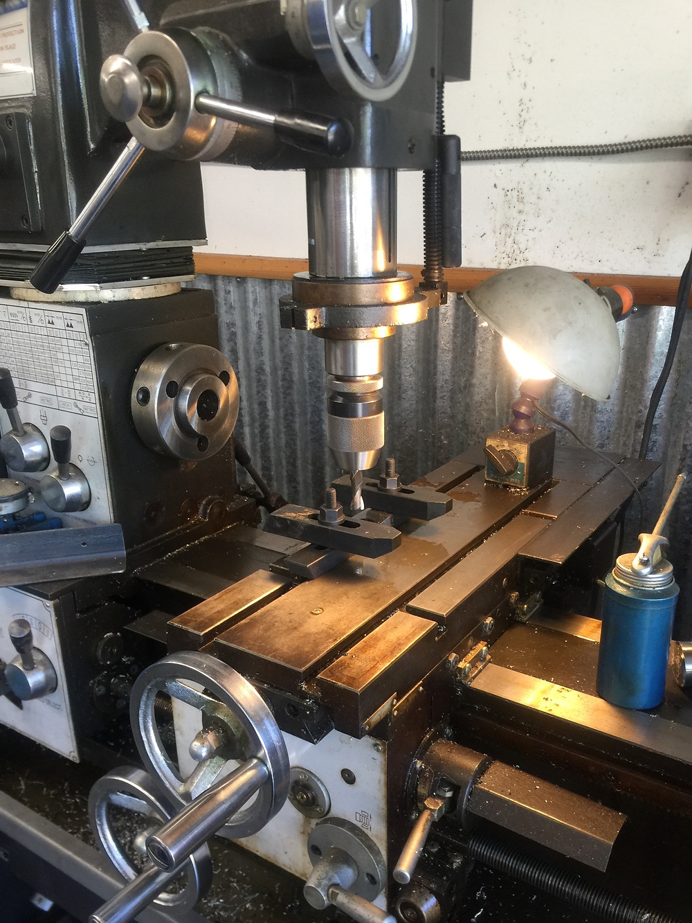 Milling a modified end cap
