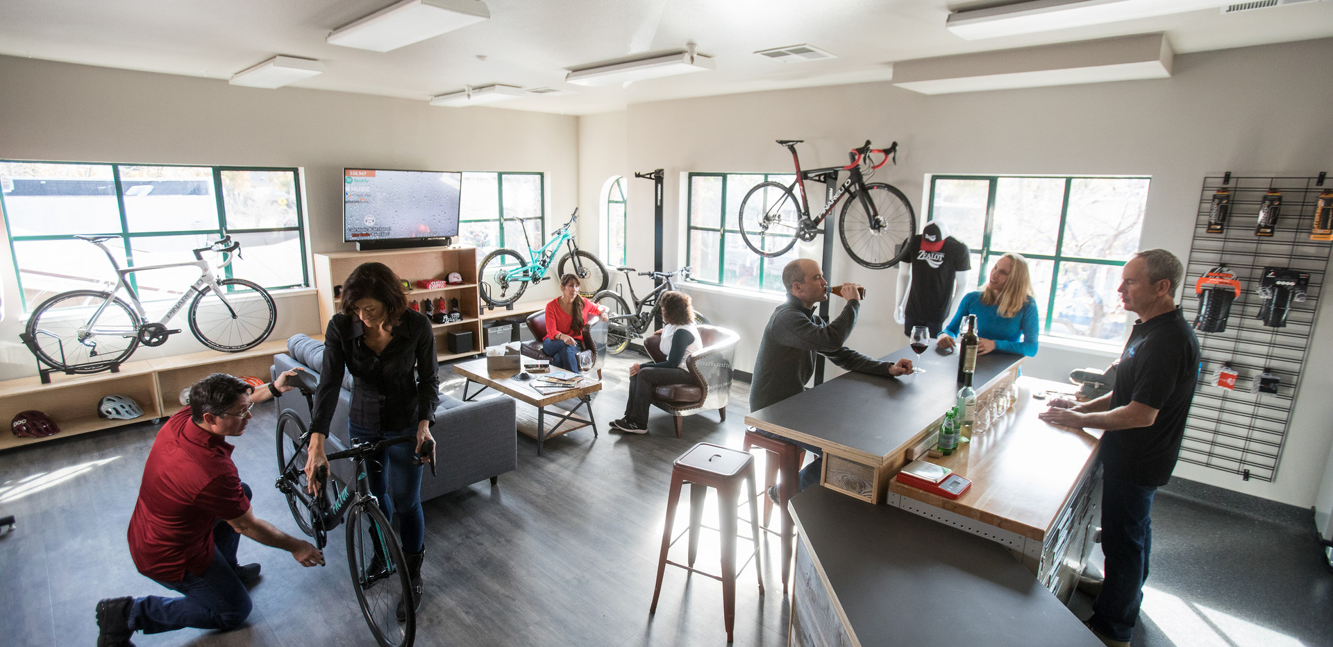 Zealot Bike Shop, Beer and Wine Bar