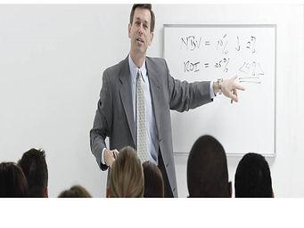 instrutor-de-treinamento