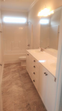 109 Emerald Ct. Guest Bath.jpg