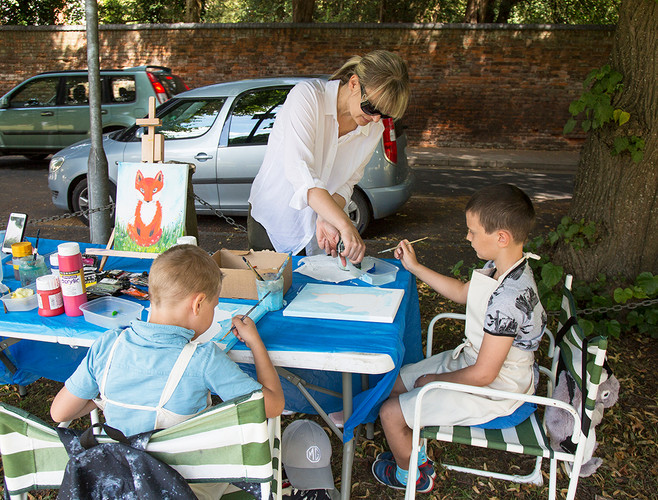 Art workshop in the shade held by Anastasia Itskina!