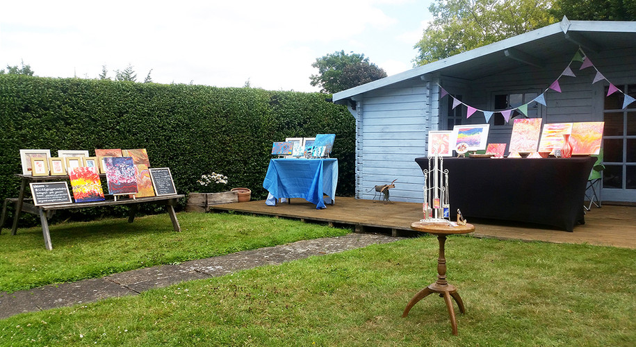 A garden full of beautiful arts and crafts by Joanne Peel!