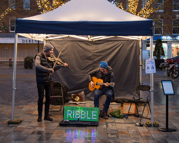 … and Ribble livened up the atmosphere to play us out!
