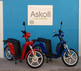 Scooter Askoll eS2 blue e Rosso