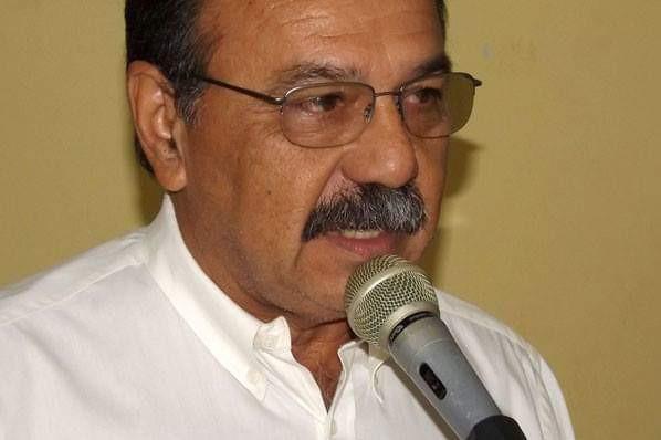 Ex-prefeito Dessoles encontra dificuldades em apresentar um novo nome para sucessor