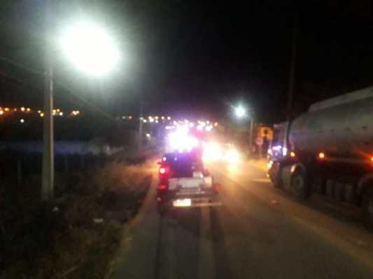 Vítimas de acidente esperam mais de uma hora por socorro