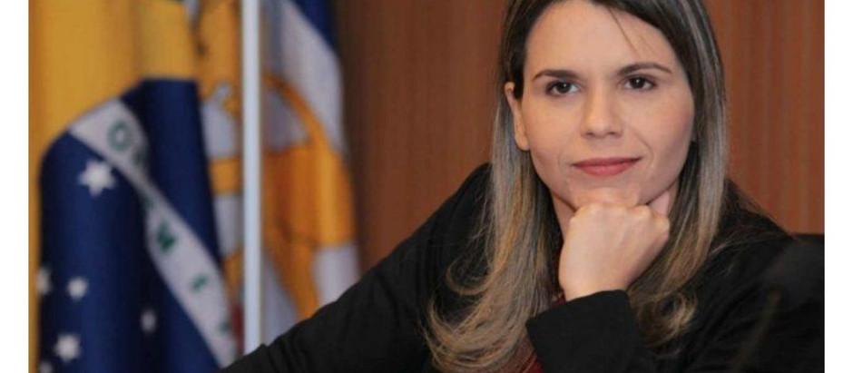 Clarissa Tércio quer hidroxicloroquina nas UPA's e sugere que Estado recolheu ajuda federal