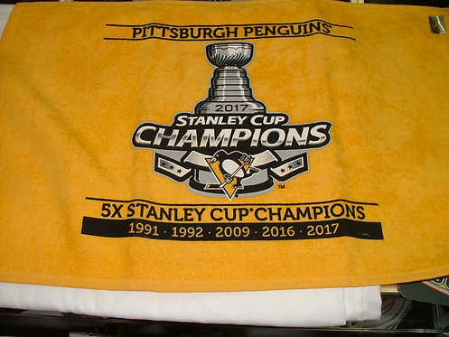 Small Penguins Towel