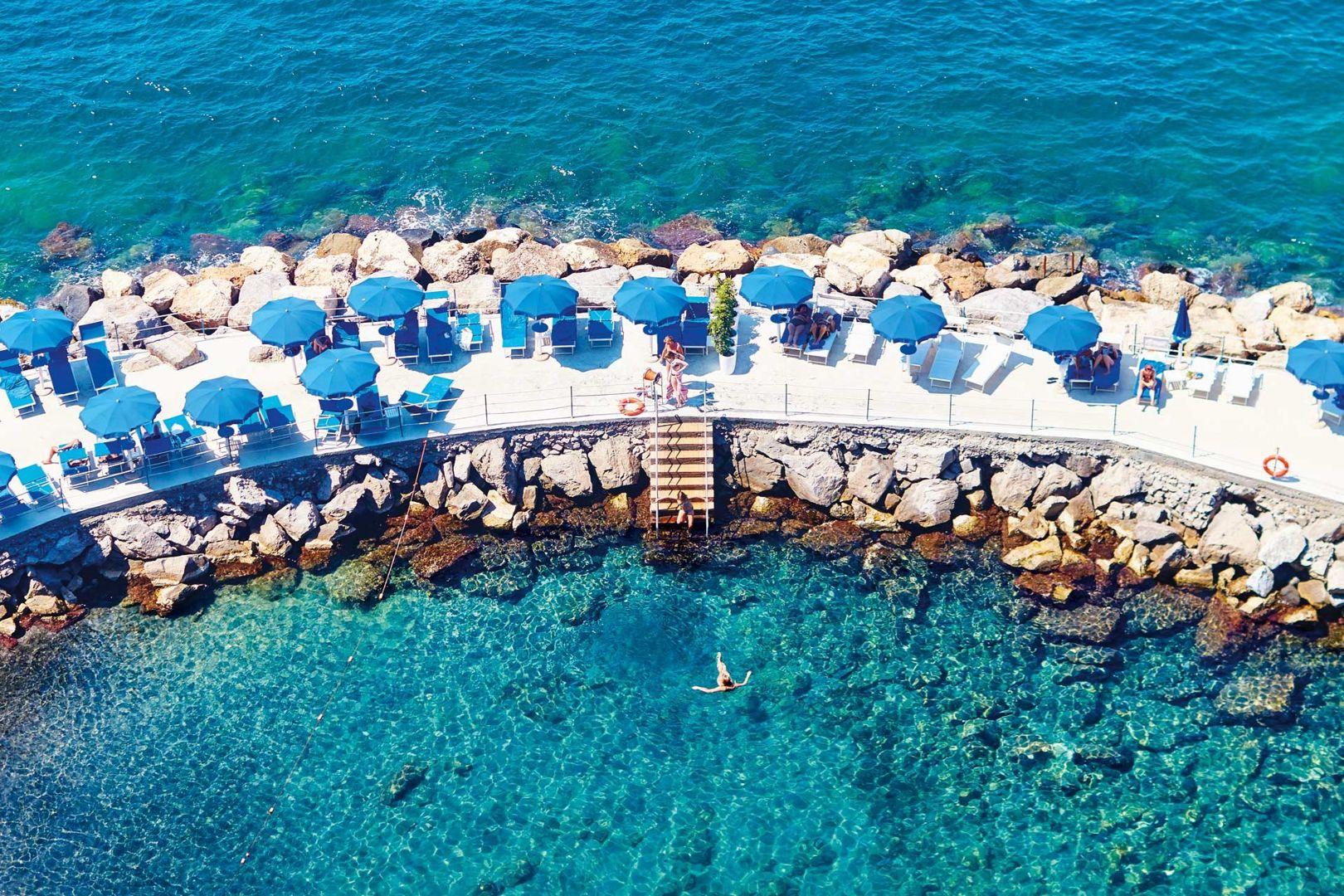 swimming-deck-at-parco-dei-principi-sorrento-italy-conde-nast-traveller-4may17-david-loftus_