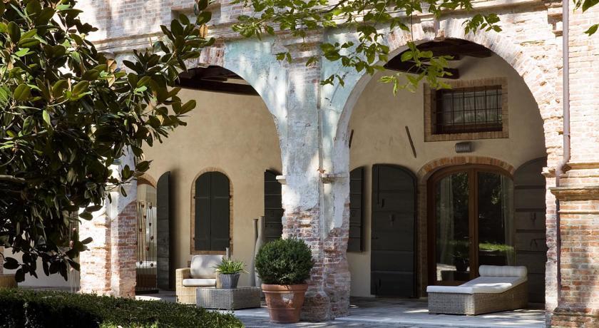 villa-moro-lin-hotels-italy-mestre-9558_180615orjxm