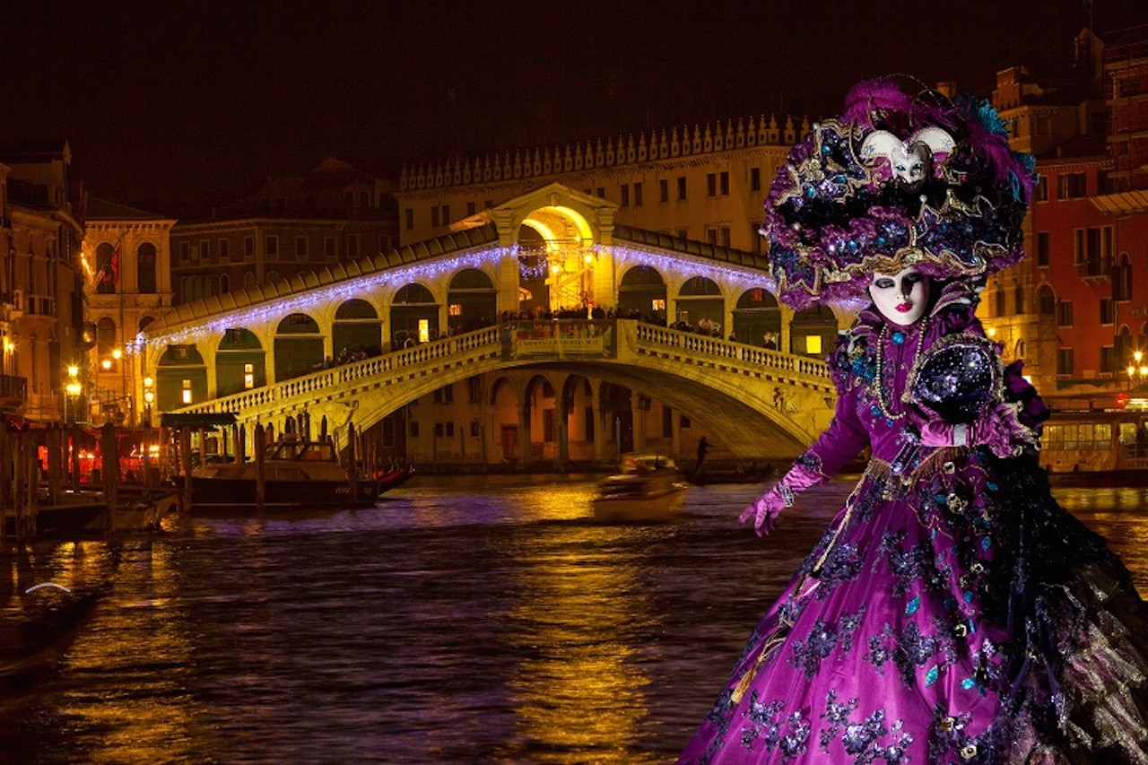 Bridge Carnival - Italy-Venice