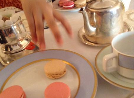 Macarons and long-awaited violet tea