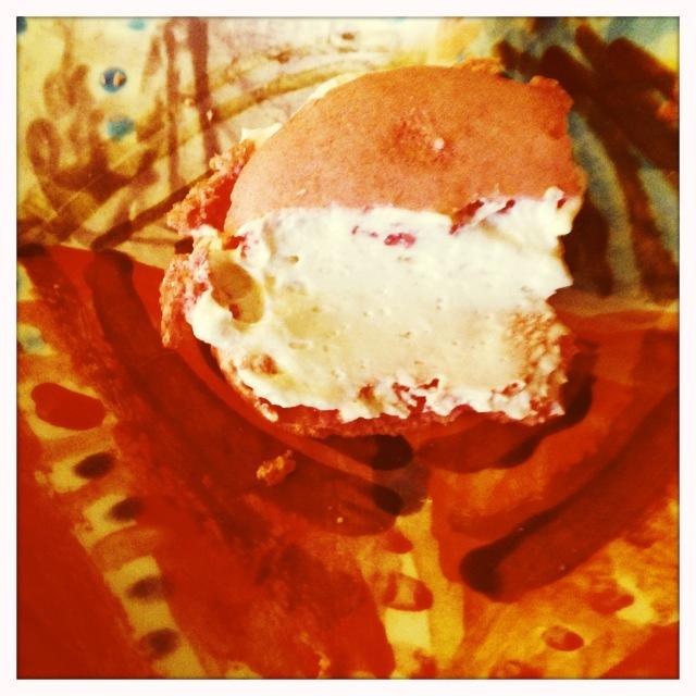 Ladurée Rose Macaron
